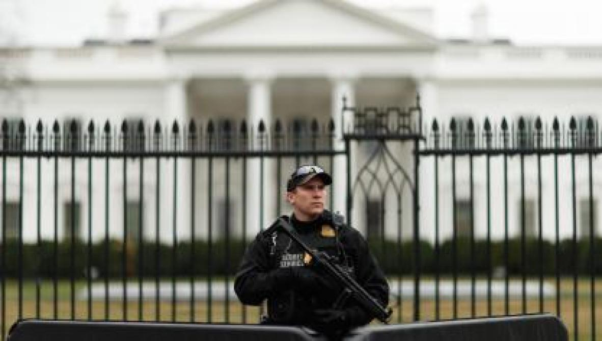 Etats-Unis: une Russe arrêtée pour avoir tenté d'influencer des organisations politiques américaines https://t.co/fYBkvNnruT