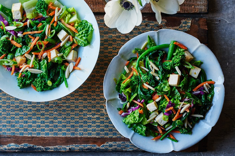 Chinese Tofu Chop Salad with Broccoli Rabe. It's fresh, crunchy, sweet, and savory.  Recipe: https://t.co/8BVWOBBHBJ https://t.co/GgHlUkR2hf