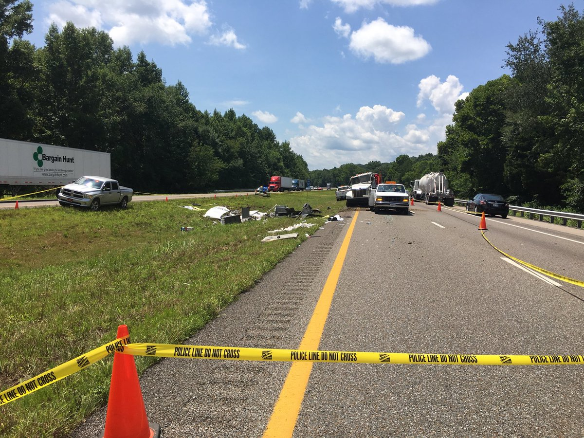Armored car wreck leaves coins strewn on I-40 in Tennessee