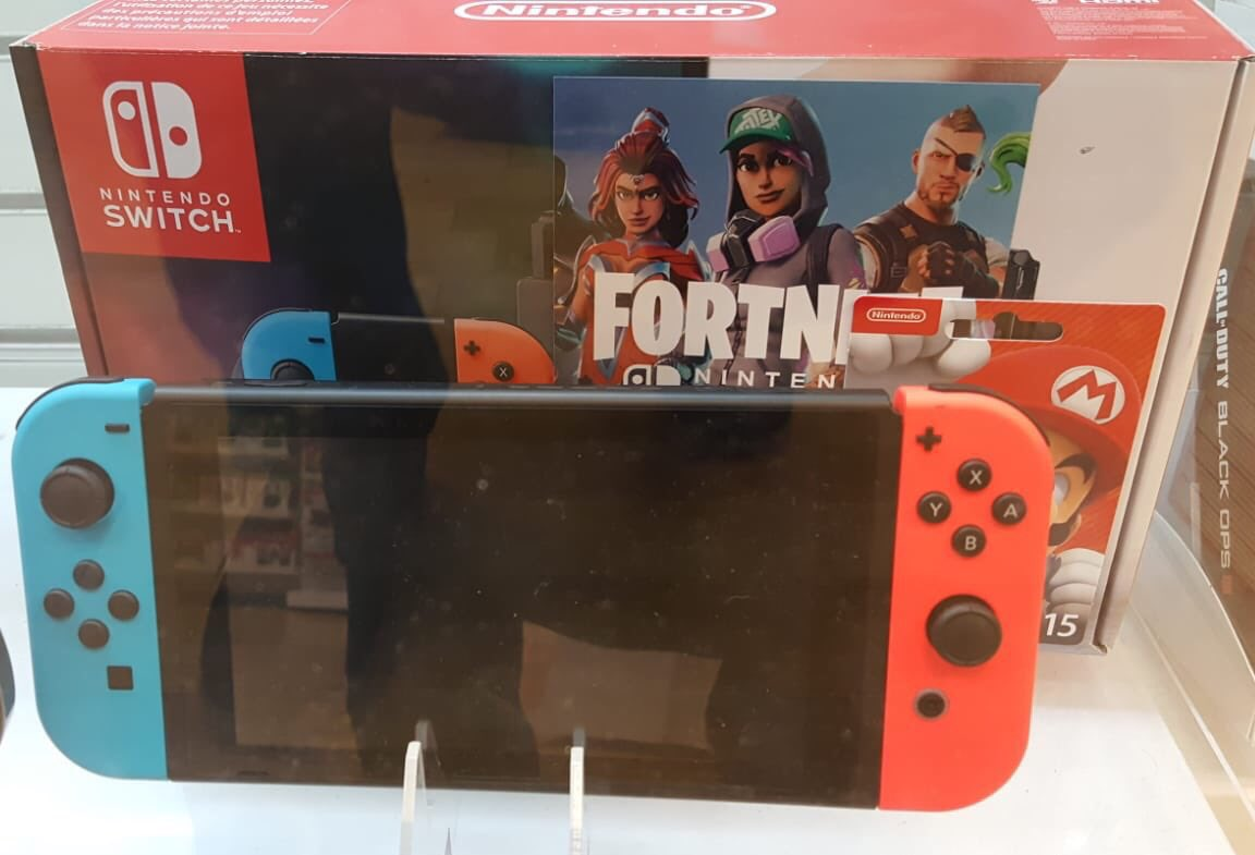 Excited for @GAMEHarrogate opening new Store on Thursday??? Here is our first opening offer- Nintendo Switch Hardware preowned for £199! Offer limited to first 10 console buying customers. so better hurry!! We will have grey and neon both variants to start with.doors opens at 9am <br>http://pic.twitter.com/dOEHcJEz8F