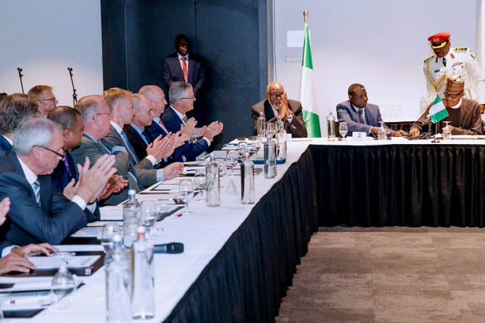 I had a productive meeting with CEOs of some Dutch companies today. We want more investment in Nigeria, and we are creating the environment for this, through our renewed focus on security, ease of doing business reforms, and the fight against corruption. Foto