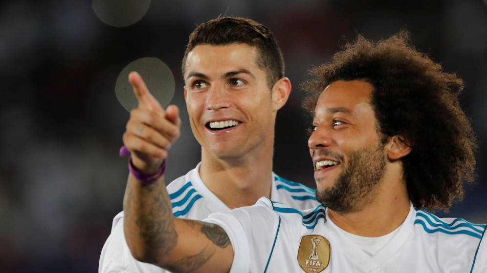 Hi,  @Cristiano... Is that the way to Turín?...  #Transfers.<br>http://pic.twitter.com/GqpV2Ydhgc