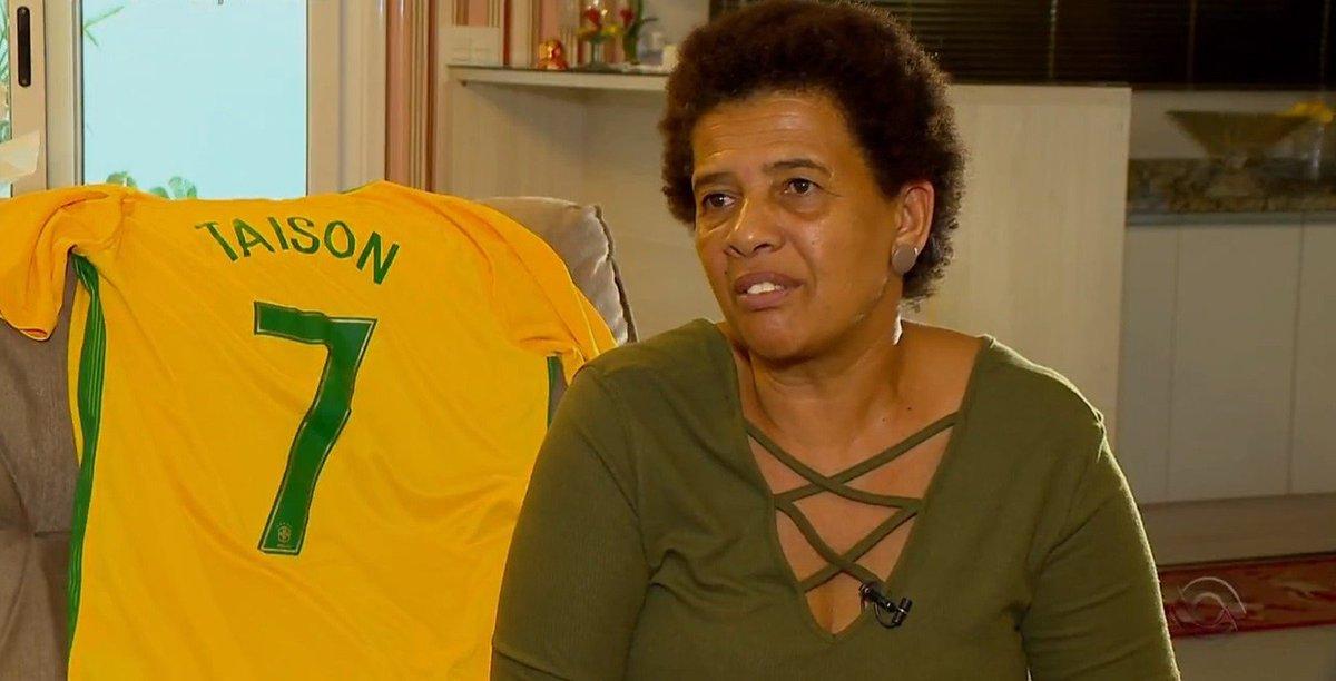Mãe do jogador Taison é resgatada pela polícia após ter sido sequestrada em Pelotas https://t.co/w6zb3j3BQ3