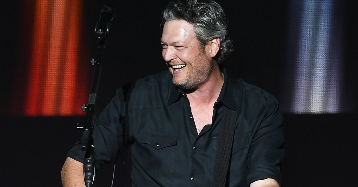 Blame it on the alcohol! Only @blakeshelton would ask for fans to send him videos of himself falling on stage during his concert https://t.co/4DAk2MafMi 😂