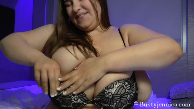New sale! My vids are lit! B-cup Bras and K-cup Tits https://t.co/IMrh1STuAq #ManyVids https://t.co/
