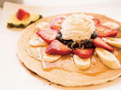 【夏休みハワイの予習⑧】フルーツたっぷり!ハワイのパンケーキ3選   CREA https://t.co/7pgWrDOffO #crea_web
