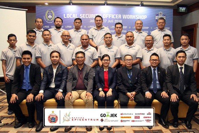PSSI menggelar Local Security Officer Workshop di Hotel Park Lane, Jakarta, Selasa (17/7) yang diikuti oleh 18 klub peserta Liga 1 2018. Kali ini, Persija diwakili oleh Haen Rahmawan. #PersijaJakarta #PersijaSelamanya Photo