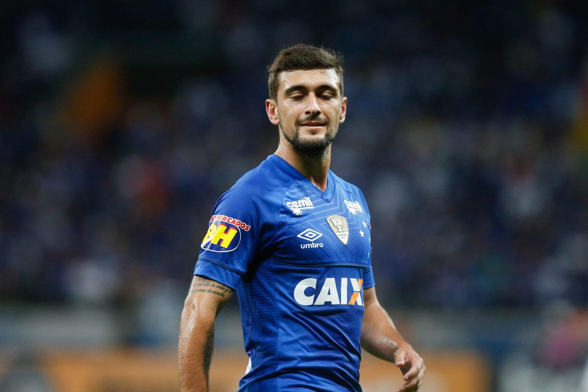 Arrascaeta marca, Cruzeiro empata com o Atlético-PR e avança na Copa do Brasil https://t.co/UEnlEOM6ic