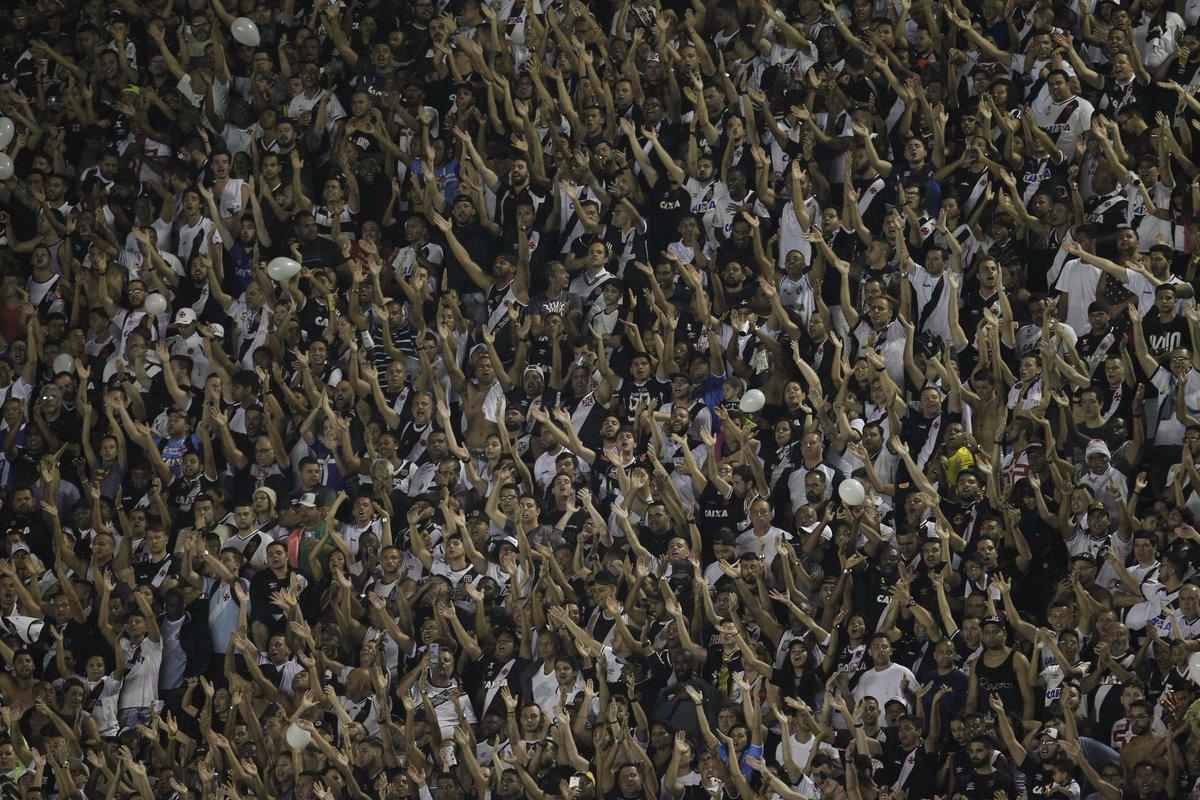 FINAL DE JOGO  Vasco vence por 2-0.  Não foi o suficiente para a classificação, mas mostra que se a torcida jogar junto com esse time podemos ter um segundo semestre melhor!  Obrigado, #TorcidaQueViraJogo