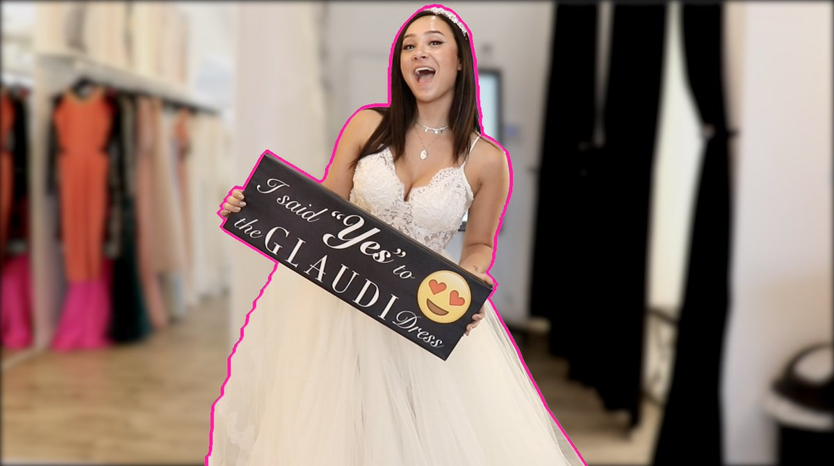 NEW VIDEO IS UP! ✨ RT FOR A CHEEKY DM 💕 LOOKING FOR MY WEDDING DRESS!! 😱🤭👰🏽❤️ youtu.be/a1ntReIaHzE