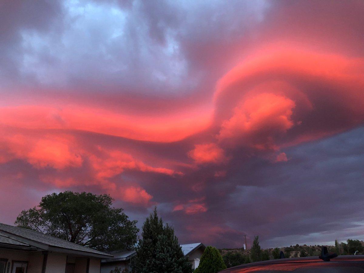 Gallup sunset...📷: Stephanie Hamblem #nmwx #Monsoon2018 #NewMexicoTRUE