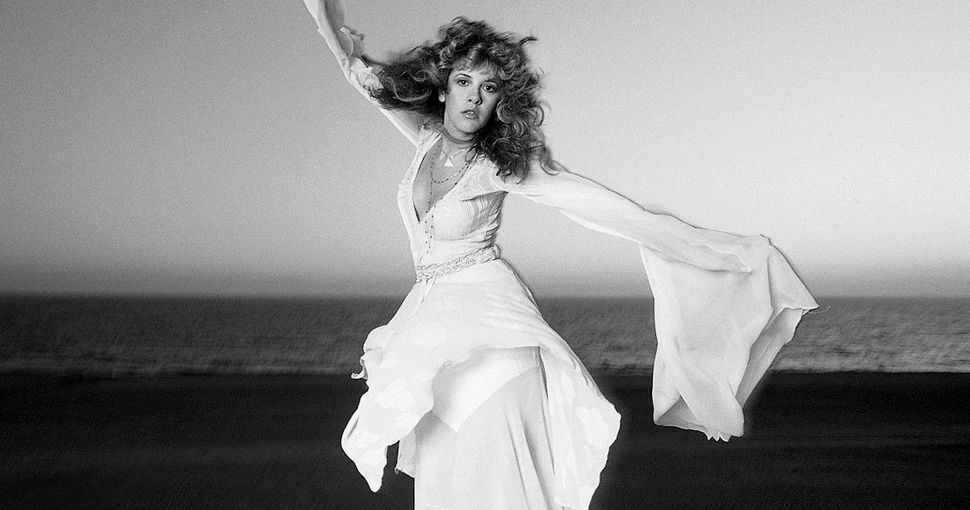 Quote of the Day  &quot;I&#39;m very practiced at twirling. You need big moves. If you&#39;re gonna dance, you gotta really dance.&quot; - Stevie Nicks <br>http://pic.twitter.com/8pfAJBsGOL