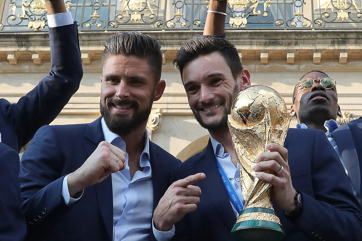 Homecoming heroes 🇫🇷  #WorldCup #PL
