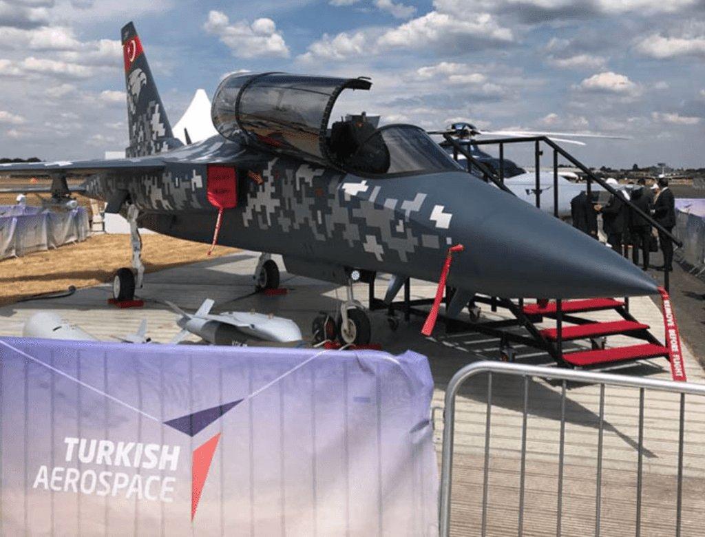 طائرة التدريب Hürjet التركيه الجديده تستعد للاشتراك في معرض Farnborough 2018 DiSXKeYUYAE_Vi8