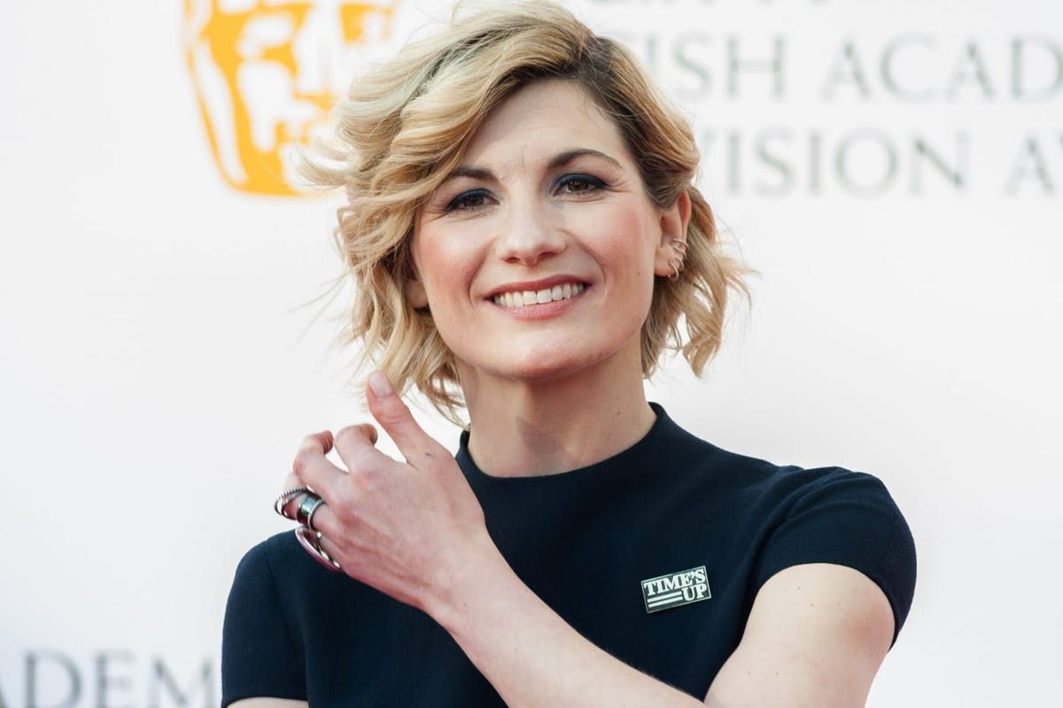 As the first teaser trailer for #DoctorWho series 11 is released, star Jodie Whittaker has an inspiring message for female sci-fi fans: https://t.co/Kl7SjrTR8L