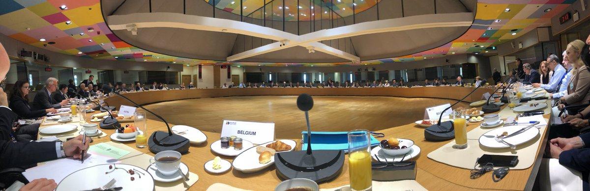 Petit-déjeuner de travail entre les ministres des affaires étrangères de l'#UE et de l'Alliance du Pacifique (#Chili #Colombie #Mexique #Perou ) : intégration régionale #commerce #DéveloppementDurable #SociétéCivile #OMC #OIT  - FestivalFocus