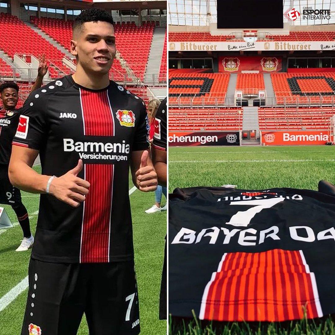 O MOLEQUE CHEGOU! @paulinho_ph00, e@vascodagamax-, já entrou na rotina d@bayer04fussballo , seu novo clube! VOA, GAROTO!