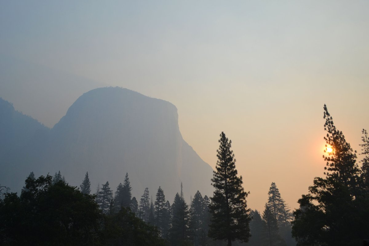 Yosemite shrouded in smoke as nearby wildfire burns out of control amidst 'extreme temperatures.' https://t.co/sNfAClUgz1