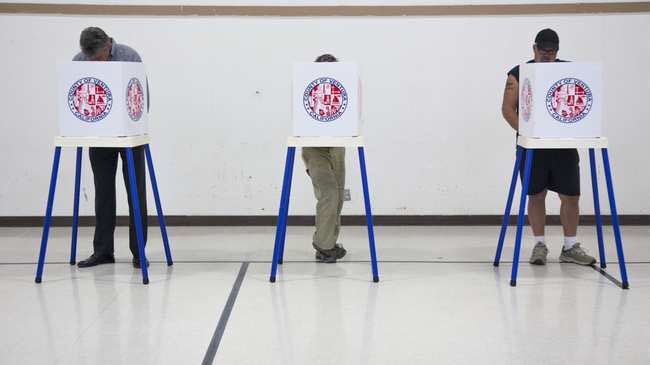 Top voting machine vendor admits it sold remote access software on systems sold to states https://t.co/mIQuvD4bhZ