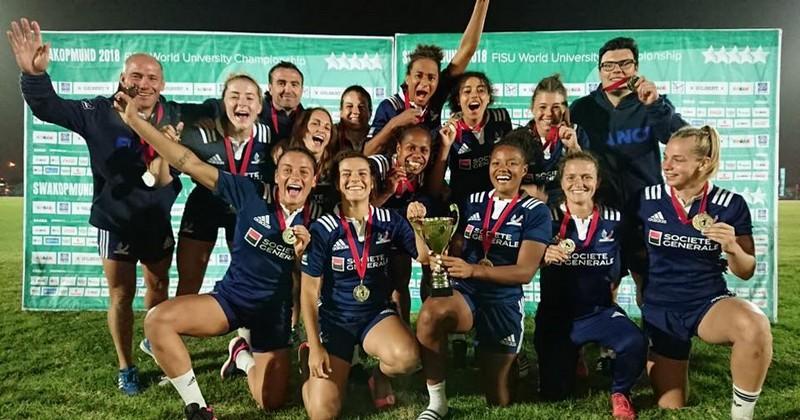 Après les Bleus, c'est au tour de l'équipe de France universitaire féminine de rugby à 7 et au relais mixte de triathlon de remporter le graal de #ChampionsDuMonde ! Bravo à eux ! 🇫🇷