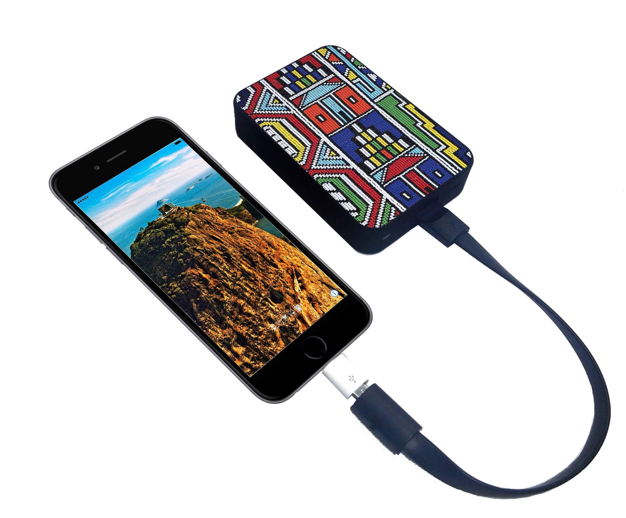 #The new #ndebele inspired Ultracompact chargers are now available!  #zulu #africa #PrimeDay #fashion #style https://t.co/um5FcUMyQP