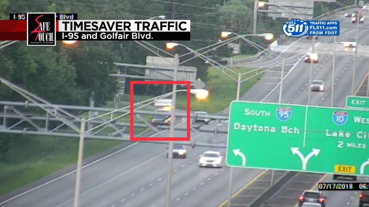 BRENTWOOD: Disabled vehicle along I-95 NB after Golfair Blvd. blocks right shoulder. Watch out for driver and Road Rangers! #CrystalsCruisers @wjxt4<br>http://pic.twitter.com/qzYYjOEiid