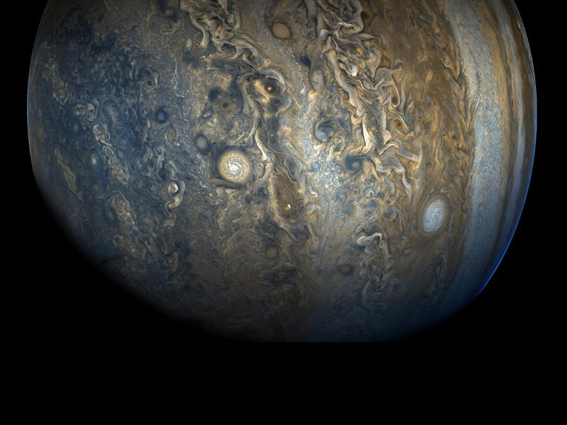 Astronomers have found a new crop of moons around Jupiter, and one of them is a weirdo https://t.co/wATvvh8wpf