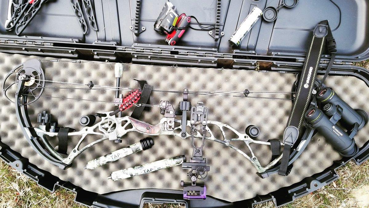 Equipment to get the job done 🏹 #isitseptemberyet #TAPTUESDAY #Bowtech #TITANIUMARCHERYPRODUCTS #VANGUARDOUTDOORS