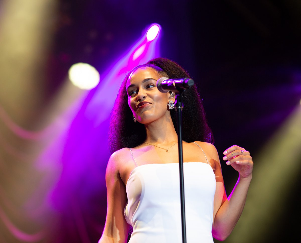 This year's #SummerSeriesGigs at @SomersetHouse were magical ✨ Head here for all the must-see pics including @JorjaSmith @SigridRaabe  @metronomy& more >>>  💖https://t.co/VIhx1YRwsv