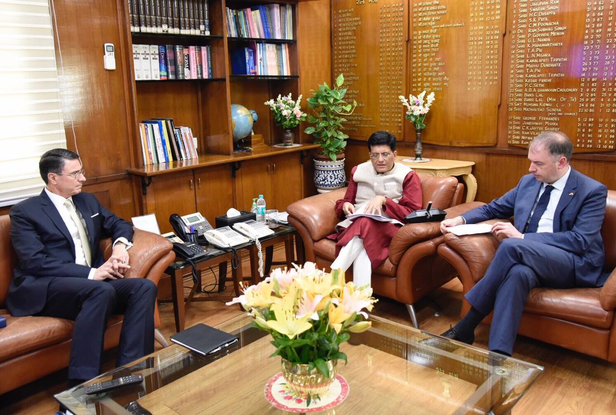 Minister @PiyushGoyal met H.E. @NielsAnnen, Minister of State, Federal Foreign Office, Germany, and discussed the strengthening of avenues of cooperation between India and Germany. <br>http://pic.twitter.com/vAGTQ2QumH