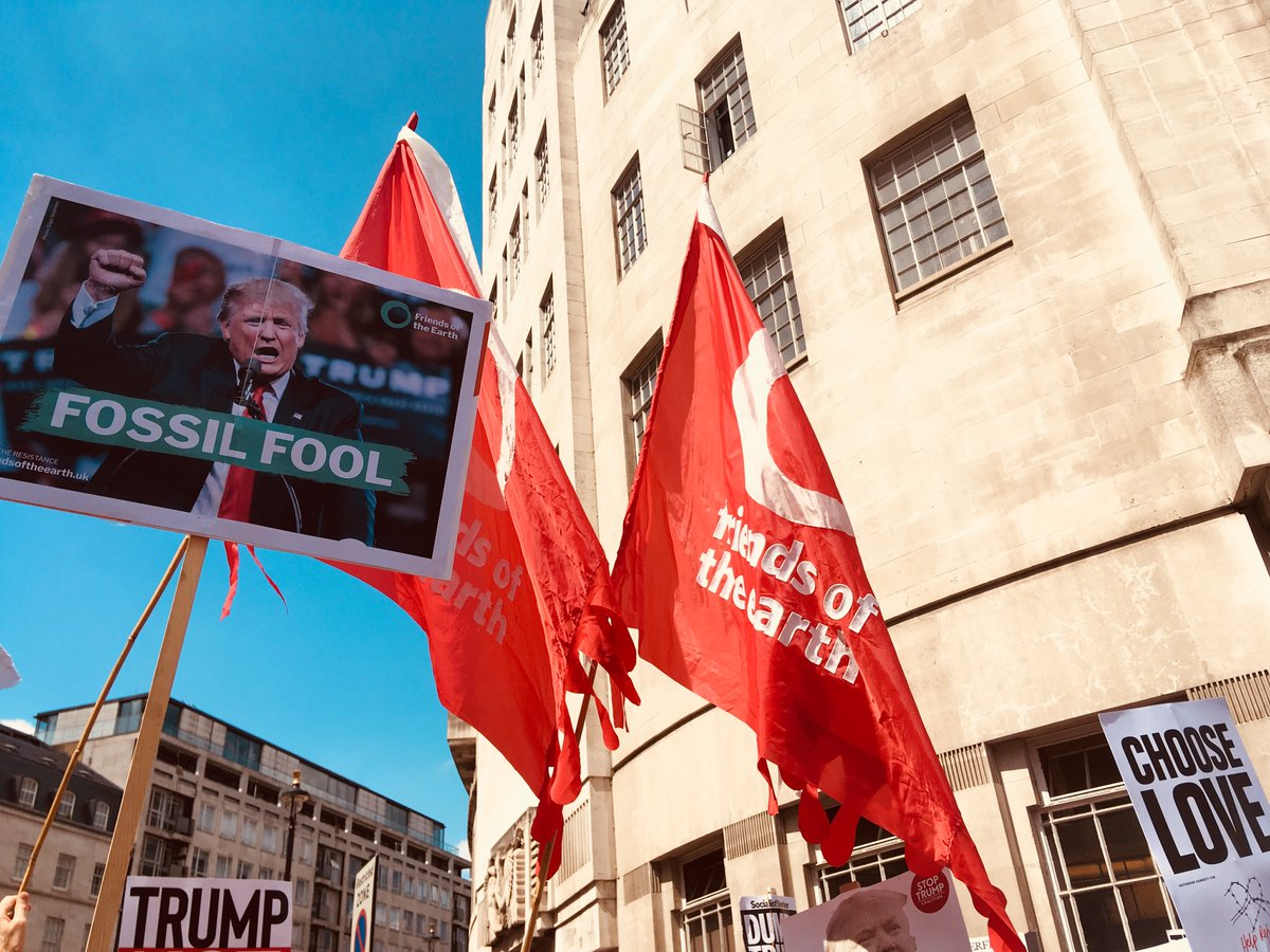 Why did we protest #Trump? Well, his ill-informed and sometimes contradictory opinions on #climate is a good place to start. Here we #factcheck some of the stupider things he&#39;s said about #climatechange  http:// ow.ly/kY5O30kZlFx  &nbsp;   #TrumpUKvisit #FakeNews<br>http://pic.twitter.com/qqqacTEjb7
