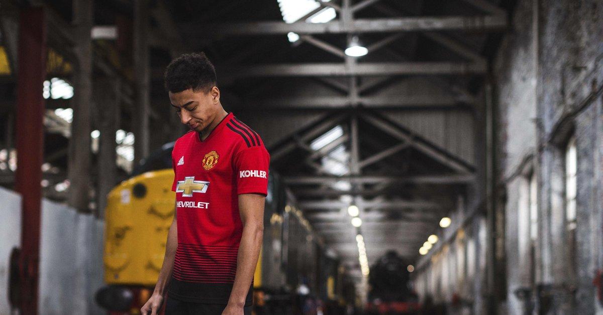 pretty nice dbb3f fa2e3 Manchester United on Twitter: