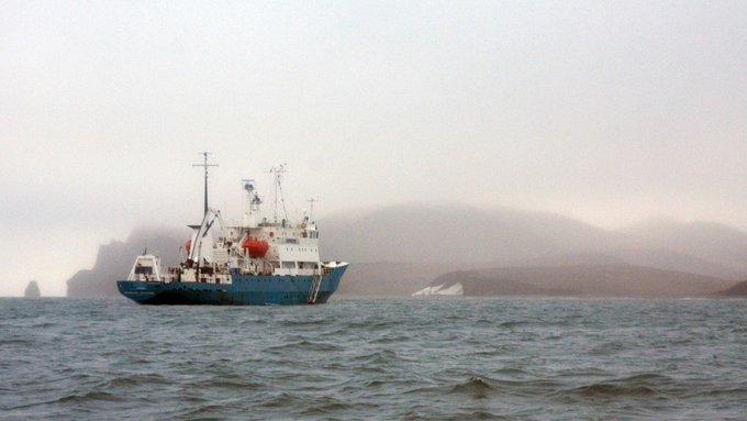 На Украине расстроены: Россия в Керченском проливе задерживает украинскиесуда Photo