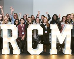 Calling all student #midwives! We&#39;ve got lots of great info on our Student Midwife Forum page. Follow us now: @RCM_SMF #MidSoc<br>http://pic.twitter.com/rFsF7CEF65