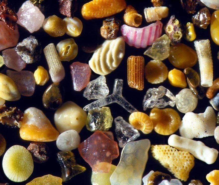 - Ça ressemble à quoi le sable au microscope ? - À ça 👉