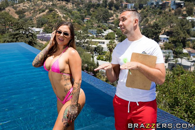 1 pic. New @Brazzers scene out today! Go like and comment 💕 I'm responding to my favorite comments! https://t