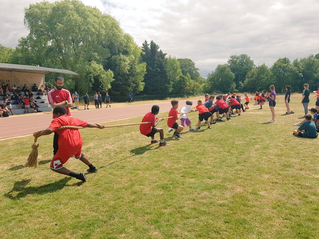 APA Sports Day 2018. A day to come together as a community and support our house showing true APA team spirit. Looking forward to next year already!  #sportsday2018 #teamwork #classof2023 @ARKPutney @sport_apa <br>http://pic.twitter.com/m9WeNqHIpB