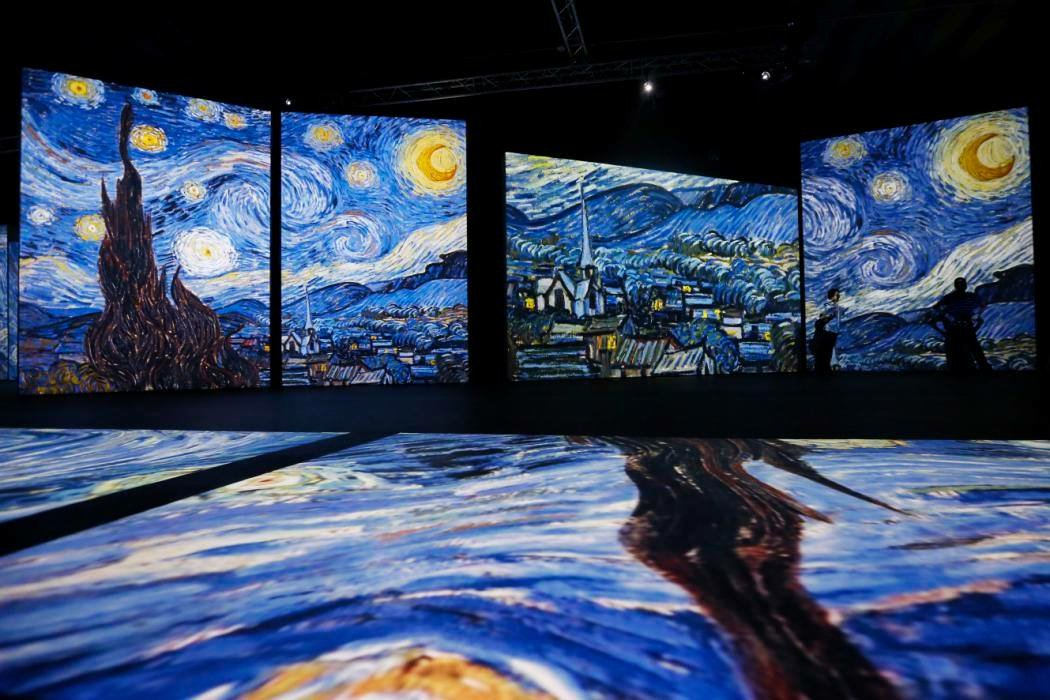 "3D, gezici Vincent van Gogh sergisinden ""Starry Night"""