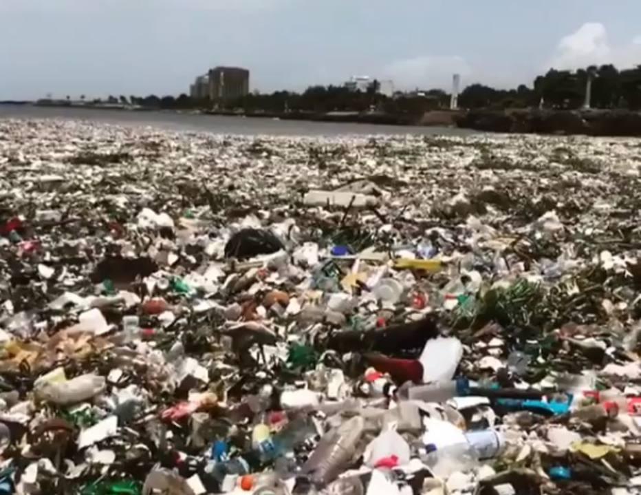 VÍDEO: Toneladas de lixo em mar revoltam Kelly Slater e mundo do surfe https://t.co/SEp84EiMMA -via @esportefera
