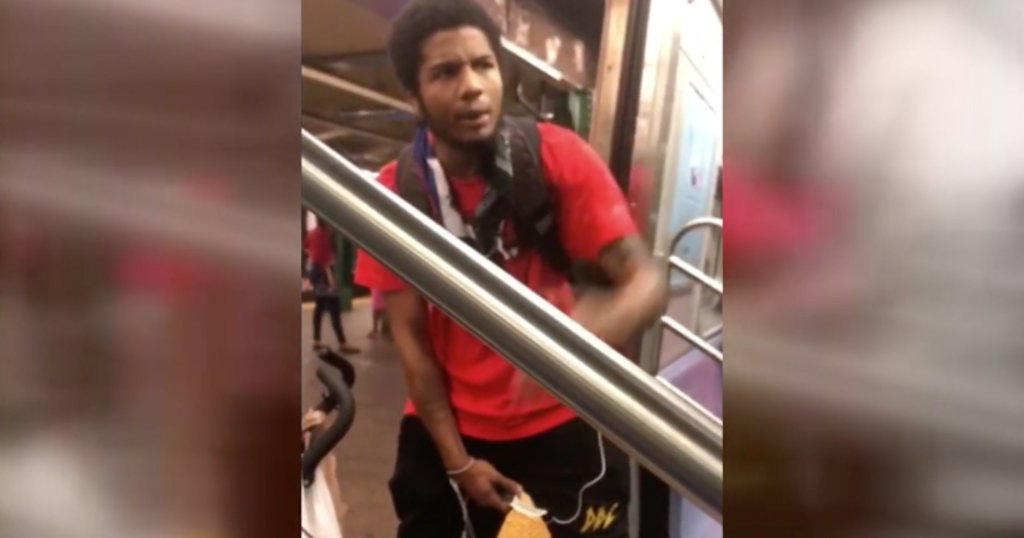 'He's a guy [that] doesn't have anything to lose': A man is seen on cellphone video threatening a subway rider with a knife -- after the victim stepped in when he saw a child being hit. https://t.co/hbxpxyhls0