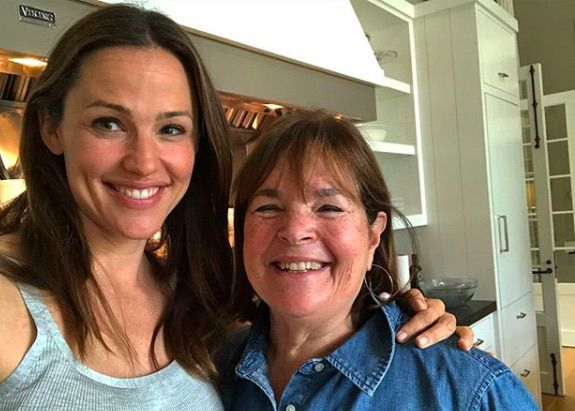 After cooking with Martha and Ina, Jennifer Garner is one step away from lifestyle brand https://t.co/YfWtL27oAo