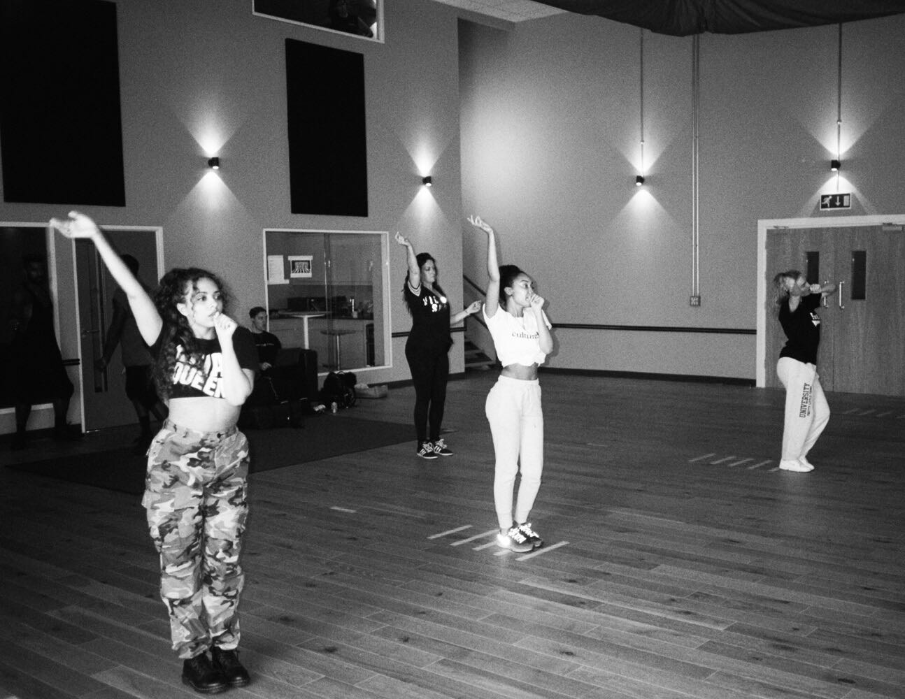 Derby! We're coming for ya next �� #SummerHitsTour x the girls https://t.co/ycx7YtMvPE