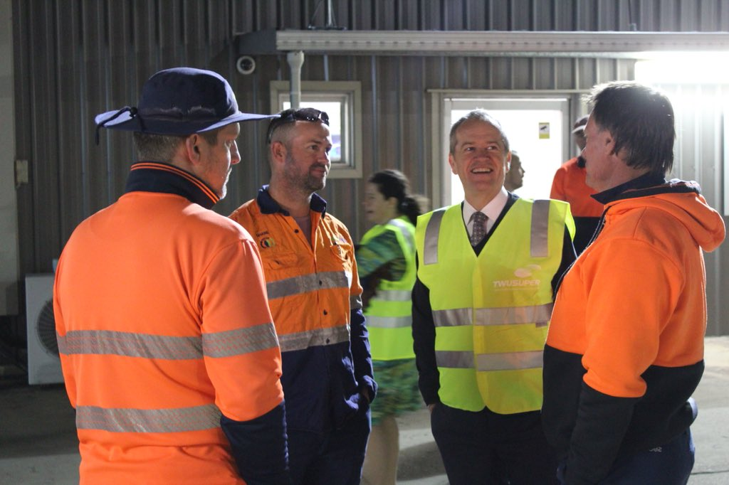 Early start with @AnikaWells joining workers at Suez Waste Management - a business which pays labour hire workers at the same rates at those directly employed.  Labor will legislate so this is the case for all labour hire workers.   Same job. Same pay.