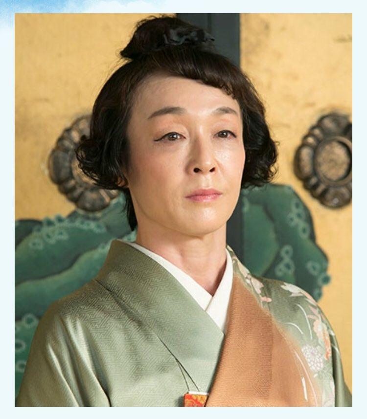 グリーンの着物を着ている朝ドラに出演したキムラ緑子の画像