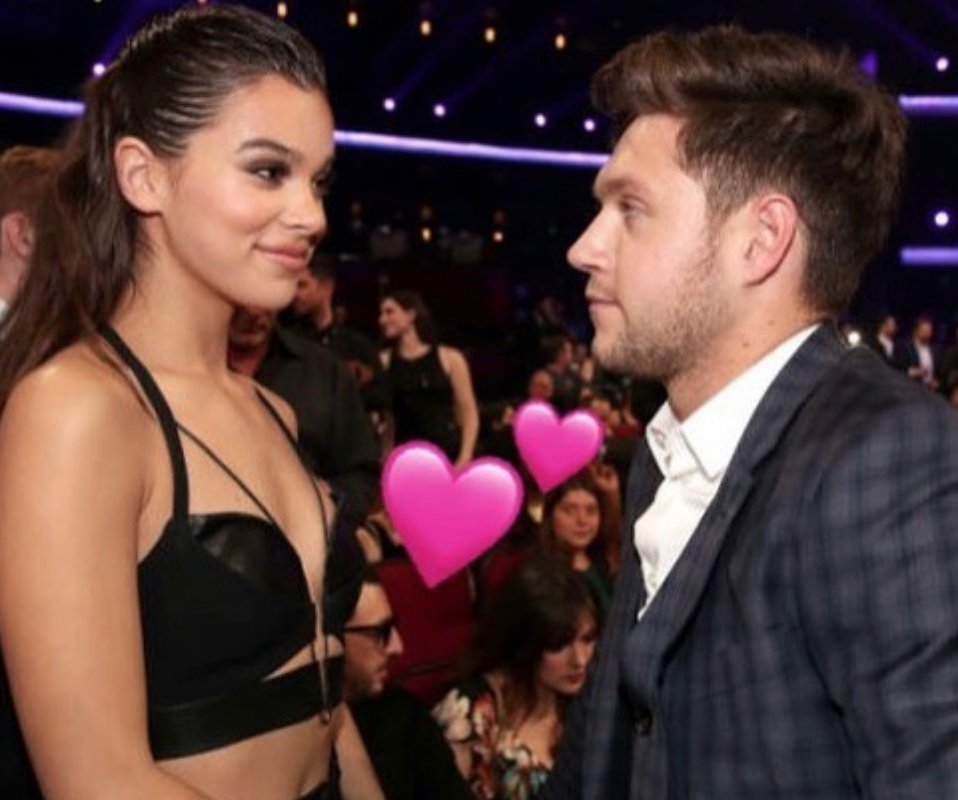 #NiallHoran & #HaileeSteinfeld make rare public appearance together in #NYC 😍😘❤️  📷: https://t.co/sKPruLPe3P