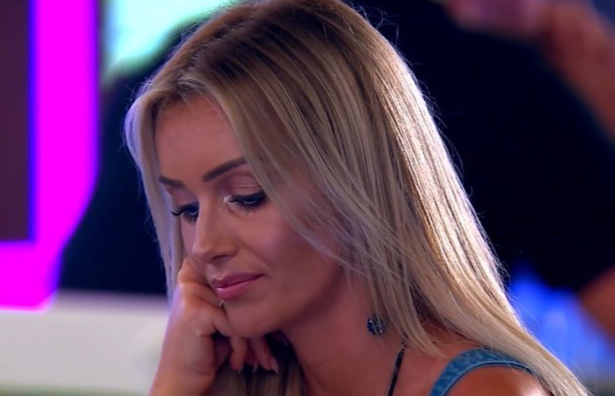 Unpopular opinion perhaps...  but you have to admire Laura, despite her knock backs, she picks herself up, dusts herself down and starts again. That's our kinda strong female! #LoveIsland