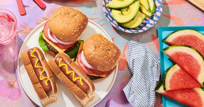 The no-prep, no-fuss guide to summer picnics: https://t.co/2HkPqp3LCV #R29xHaloTop #ad