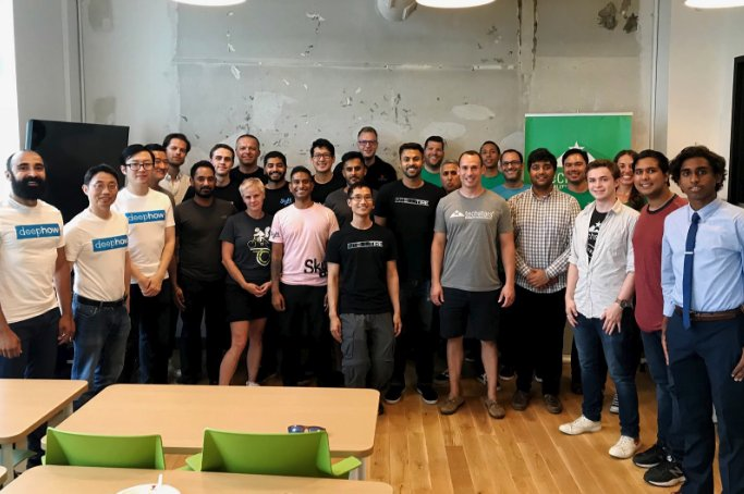 With 100% diverse founding teams, introducing Techstars Class 141 - the 2018 class of the Techstars Mobility Accelerator in #Detroit https://t.co/9pQeLiXk9L #TSMobility