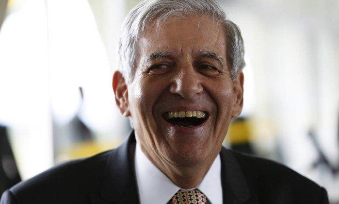 'Estou pronto para a missão', diz general Heleno, cotado para vice de Bolsonaro. https://t.co/WrCxVIe9rb