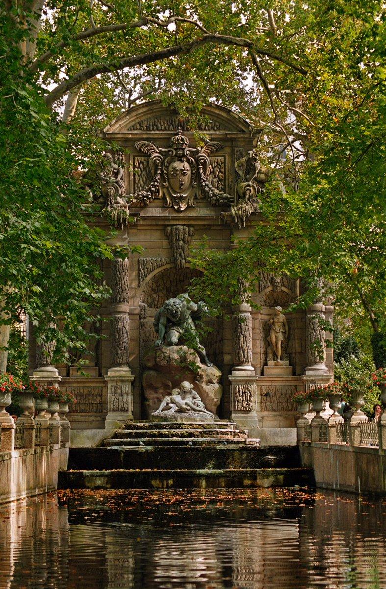 Uzivatel Davidphenry Na Twitteru La Fontaine Medicis In The